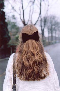 half up with hair bow Coiffure Hair, Good Hair Day, Hair Dos, Gorgeous Hair, Pretty Hairstyles, Hairstyle With Bow, Hair With Bow, Hair Hacks, Her Hair