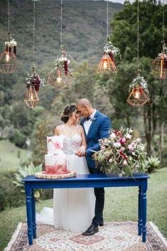 Mesa do bolo - Casamento bucólico intimista no campo