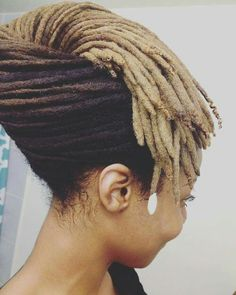 me dark dreads dreadlocks blonde dreads blonde dreadlocks mindlessintellect Dreadlock Styles, Dreads Styles, Dreadlock Hairstyles, Braid Styles, Easy Updos For Medium Hair, Medium Hair Styles, Natural Hair Styles, Afro Punk, Coiffure Hair