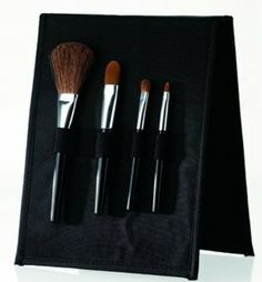 Danielle Black Makeup Brush Set, 0.06-Pound by Danielle Creations. $25.00. This set closes tight, so that you can take it anywhere for touch ups.. This set contains an eye shadow brush, lip brush, concealer brush and powder brush.. High quality bruses at a great value.. A black makeup brush portfolio complete with a mirror and 4 cosmetic brushes.