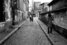 1972 - Belleville démoli - Paris Unplugged Menilmontant Paris, Paris 1900, Paris Architecture, Paris City, History, Cities, Street Photography, Old Paris, Antique Pictures