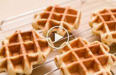 Waffle Pops, Belgian Waffle Maker, Bubble Waffle, Tasty Bites, Pancakes And Waffles, Frappe, Candy Buffet, Everyday Food, Bakery