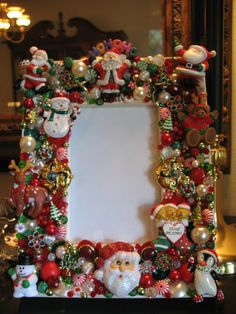 A Picture Perfect Christmas - Vintage Jewelry Christmas 4 x 6 Photo Frame Christmas Frames, Christmas Photos, All Things Christmas, Vintage Christmas, Christmas Holidays, Christmas Decorations, Christmas Ornaments, Costume Jewelry Crafts, Vintage Jewelry Crafts