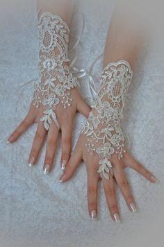 unique Original design Wedding Gloves, ivory lace gloves,Fingerless Gloves, Free ship, bridal gloves, Ivory, $35.00