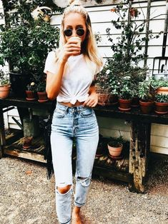 e808f1e923f This is one of the classic Americana trendy summer outfits!Summer 2018 has  officially begun and these trendy summer outfits are giving us vibes.