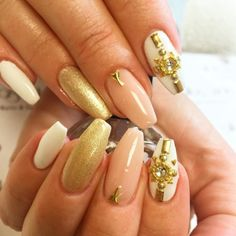 Amazing fashion nails: by atlas_nail (http://ift.tt/1Mx42Ex)