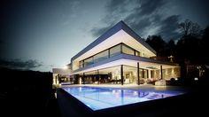 Exquisiter Bau mit vielen Austattungsraffinesen von air-lux und Krapf AG #fenster #architektur