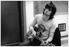 Keith Richards 1972 Tour | KEITH RICHARDS @ RECORDING STUDIO RECORDING 'EXILE ON MAIN STREET ...