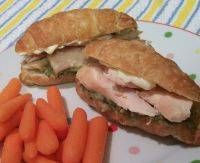 Pesto Chicken Sandwiches - a great meal you can make in your residence hall room.