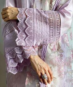 Kurti Sleeves Design, Sleeves Designs For Dresses, Kurta Neck Design, Dress Neck Designs, Sleeve Designs, Stylish Dresses For Girls, Stylish Dress Designs, Girls Dresses, Simple Kurti Designs