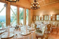 Get married in this dreamy location 365 days a year - no matter if you elope or invite 50 guests... Wedding Locations, Wedding Venues, Got Married, Getting Married, Austria Winter, Wedding Planner, Destination Wedding, Mountain Elopement, Carinthia
