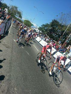 Gran jornada este sábado en la 2da etapa de la #VueltaAlTáchira #Venezuela (foto: @rupertoteleSUR)