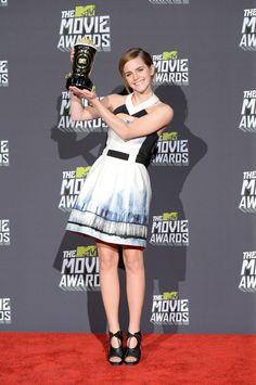 Esa vez cuando Emma ganó el premio Trailblazer de MTV por ser increíble.