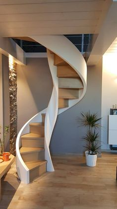 Spiral Stairs Design, Spiral Staircase, Staircase Design, Staircase Railings, Stairways, Home Engineering, Attic Bedrooms, Scale Design, House Layouts
