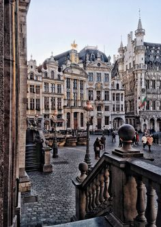 @epipha_ny La Grand Place at sunset... Brussels
