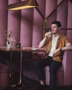 Pink 💖 #mrmchale #amsterdam #pink #mamakelly #mamakellyamsterdam #iamamsterdam #amsterdam🇳🇱 #amsterdamtrip #fashionblogger #fashioninspo #outfitoftheday #ukblogger #londonblogger #menwithstyle #mensfashion #menstyle #mensstyle #styletip #fblogger #ootd #ootdmen #malemodel #maleblogger #whatiwore #fbloggers #fashionblog #gentlemanstyle #mensfashiontips #guysfashion #guysstyle