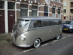 VW Bus Van # Clean Clean Clean and grey ♠… X Bros Apparel Vintage Motor T-shirts, Volkswagen Beetle & Bus T-shirts, Great price… ♠ Source Vw T1 Camper, Vw Kombi Van, Vw Caravan, Van Vw, Campers, Volkswagen Transporter, Vw Bus T1, Vw Volkswagen, Vw Vanagon