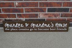 DIY sign for Grandma and Grandpa - what a great way to announce a pregnancy for new grandparents! Home Crafts, Diy Crafts, New Grandparents, Grandma And Grandpa, Grandma Gifts, Grandparent Gifts, Diy Signs, Sign I, Mother Gifts