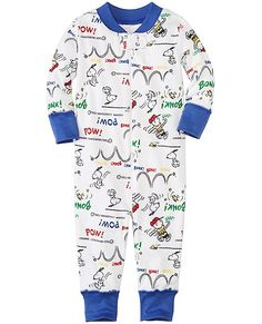 Play it cool and comfy with the best Peanuts friends ever in our supercozy pure organic cotton sleeper that cuddles them in extra-huggable comfort that's zippity-quick at changing time, all with our legendary hand-me-down quality.   <br>•Expanded baby/toddler sizes = a perfect fit for every little one <br>•100% organic cotton ribbknit <br>•Super-smooth flatlock seams <br>•Handy neck-to-knee zipper has protective top tab &lt...