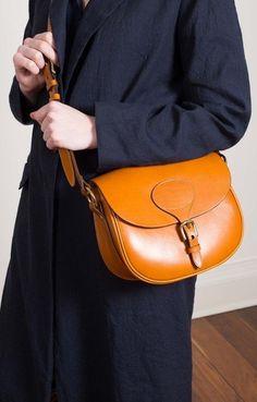 Horseshoe Buckle Bag Tan