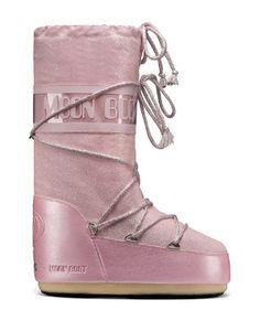 Moon Boots Delux -- Bob'sSportsChalet.com Online Store $140