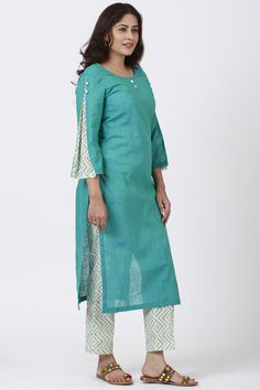 anokherang Combos Sea Green Pleated Sleeve Kurti with Printed Pants Source by designs for dresses Salwar Designs, Printed Kurti Designs, Churidar Neck Designs, Simple Kurti Designs, New Kurti Designs, Kurta Designs Women, Kurti Designs Party Wear, Plain Kurti Designs, Printed Sarees