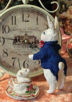 """Купить или заказать Продана. . Ватная игрушка """"Кролик и Соня"""" в интернет магазине на Ярмарке Мастеров. С доставкой по России и СНГ. Материалы: акрил, вата, проволока, джови. Размер: 15"""