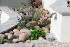 - Ärligt och härligt om trädgård och natur -: Stiligt med sten i trädgården