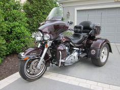 Harley-Davidson : Touring Harley Davidson I want one - this one!