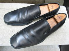 Boss Black Leather Dress Loafers 9 M by VintageClassicWares on Etsy https://www.etsy.com/listing/491568635/boss-black-leather-dress-loafers-9-m