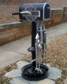 Awesome Harley-Davidson motorcycles mailbox! Check out more motorcycle house decor ideas here: http://blog.bikerornot.com/20-killer-decor-ideas-for-your-motorcycle-man-cave/?ref=pinterest-mailbox