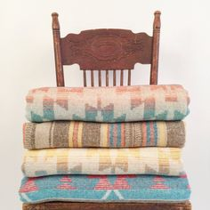 Aztec wool blend throw blankets. So cozy and colorful! therollinj.com western Home decor. Style. therollinj.com