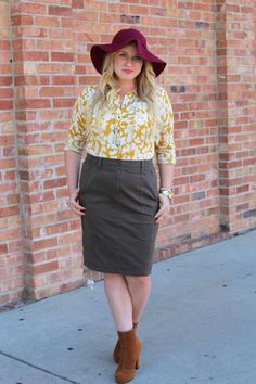 How to style a floppy hat #fallstyle #fall #outfit #lookbook