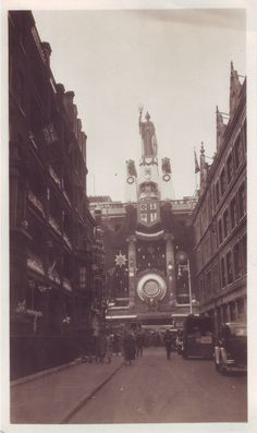 Selfridges, Oxford Street, seen from Balderton Street. 1937