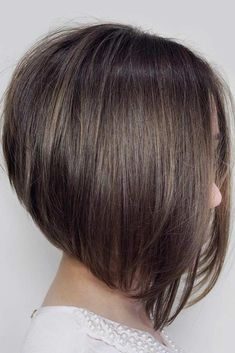 60 Fantastic Stacked Bob Haircut Ideas Middle Parted Popular And Stylish Cuts Inverted Bob Hairstyles, Long Bob Haircuts, Hairstyles Haircuts, Straight Hairstyles, Brown Hairstyles, Super Short Pixie Cut, Medium Hair Styles, Curly Hair Styles, Brown Hair With Lowlights