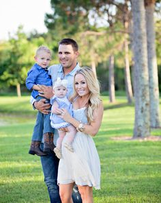 The Sweet Little Southern Charm by Tara Miller: About by Tara Miller: About family photos country pose ideas family photography Family Photography Outfits, Outdoor Family Photography, Clothing Photography, Newborn Photography, Winter Family Photos, Family Pics, Country Poses, Family Picture Poses, Newborn Pictures