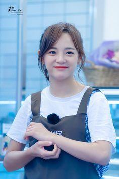Sejeong as Ocha Kpop Girl Groups, Korean Girl Groups, Kpop Girls, Euna Kim, Kim Sejeong, Pre Debut, Bae, Girl Bands, Korean Actresses