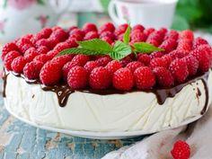 Receta de Pastel de Queso Light | Esta deliciosa receta tiene tan solo 150 calorias por porción. La receta típica de pastel de queso pero con yogurt natural y queso cottage para que sea bajo en calorías.