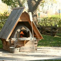Fours à pain Jean Laberge Outdoor Oven, Outdoor Cooking, Bbq Places, Oven Diy, Bread Oven, Four A Pizza, Cooking Stove, Wood Fired Oven, Cabin Design