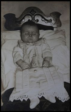 Possibly a little boy. He lools healthy. Makes you wonder what took his life? Disentary? The flu? A heart condition? Surely something that our moden medicine would now prevent. Poor little guy. tumblr_mveg2soLyZ1sq4z66o1_1280.jpg (1227×1920)