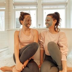 Niacinamide is one of the MVPs of skin care. So we're here to break this ingredient down so you know exactly what it is and how it works! Niacinamide Benefits, Wash Your Face, Skincare Routine, Good Skin, Healthy Skin, Glow, Skin Care, Skins Uk, Sparkle