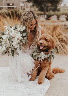 Dog Wedding, Wedding Goals, Wedding Pictures, Wedding Planning, Dream Wedding, Wedding Day, Sister Wedding, Collier Floral, Marriage Reception