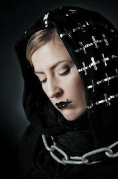 Chains Photo: Inkeri Jäntti