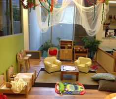 Home corner I absolutely love this setting! What a warm, comfortable place to spend time. Classroom Layout, Classroom Design, Classroom Decor, Dramatic Play Area, Dramatic Play Centers, Play Corner, Corner House, Preschool Rooms, Preschool At Home