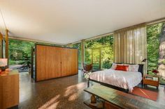 20841 Oak Lane, Olympia Fields House on a Bluff, architecturally significant mid-century modern house by H. Davis 'Deever' Rockwell, student of Mies van der Rohe. Mid Century Bedroom, Mid Century Decor, Mid Century House, Mid Century Style, Mid Century Furniture, Design Studio, House Design, Design Design, Eames