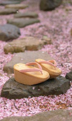 おこぼ , Blossoms on the ground... KYOTO JAPAN.