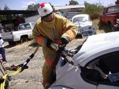Práctica con Equipo de Rescate GENESIS en Cruz Roja Mexicana, Delegación Tlaxcala.  Por ahí se asoman los guantes EXT Rescue de HexArmor ☺  EMS Mexico | Equipando a los Profesionales