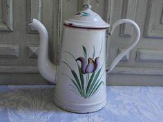 Vintage émail cafetière belle français blanc et rouge, fleurs de tulipe, 1930, cruche, cafetière, métal émaillé, cuisine champêtre chic
