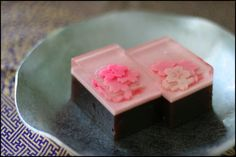 (87) spring azuki beans cake | Japanese sweets and candies | Pinterest