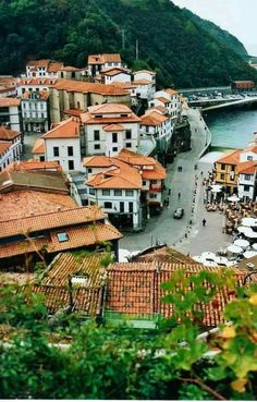 Cudillero Asturias España Acadia National Park Camping, Grand Canyon Camping, Places Around The World, Travel Around The World, Around The Worlds, Aragon, Camping San Sebastian, Places To Travel, Places To Visit